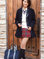 Tsubasa Akimoto Asian in sexy uniform enjoys her way to school