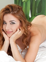 Girl's dream home posing nude on the bed