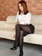 Rina Itoh Asian in office outfit has sexy legs in stockings