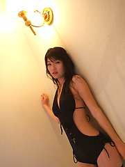 Noriko Kijima Asian with sexy back in black lingerie is very hot