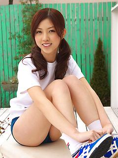 teen model Azusa Togashi
